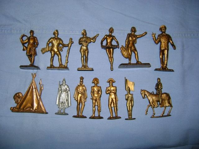 Les figurines anciennes, leurs accessoires et leurs décors. Dsc03550