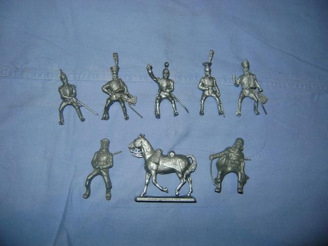 Les figurines anciennes, leurs accessoires et leurs décors. Dsc03551