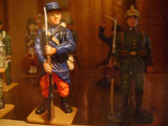 Les figurines anciennes, leurs accessoires et leurs décors. Dsc03557