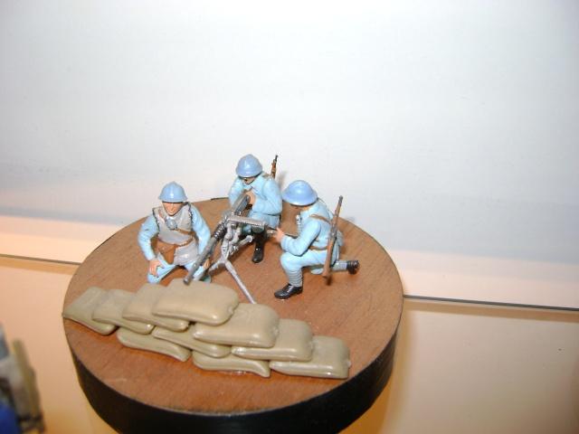 Les figurines anciennes, leurs accessoires et leurs décors. Dsc03570