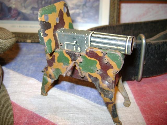 Les jouets militaires en tôle, plastique ou bois. Dsc03629