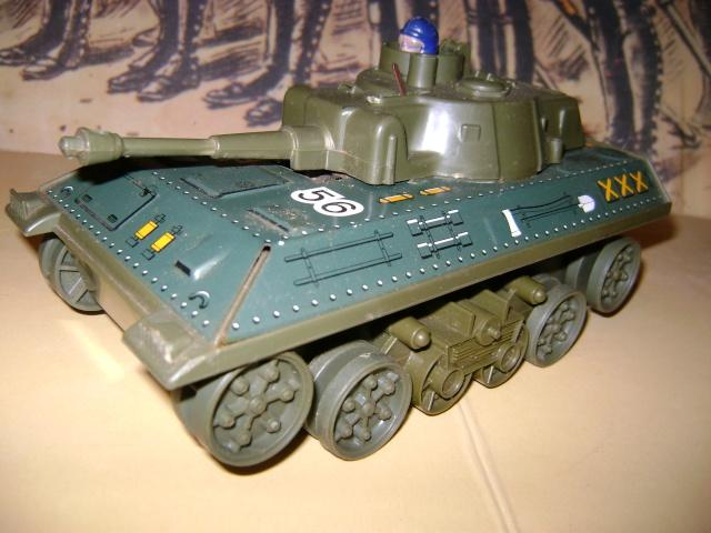 Les jouets militaires en tôle, plastique ou bois. Dsc03642