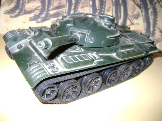Les jouets militaires en tôle, plastique ou bois. Dsc03643