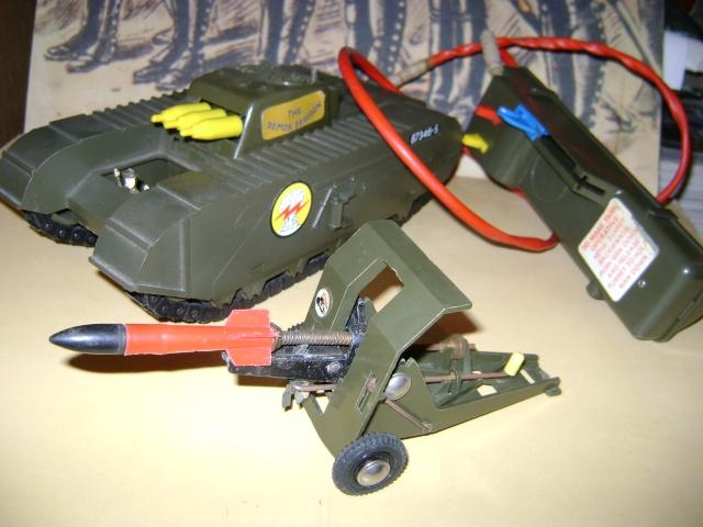 Les jouets militaires en tôle, plastique ou bois. Dsc03644