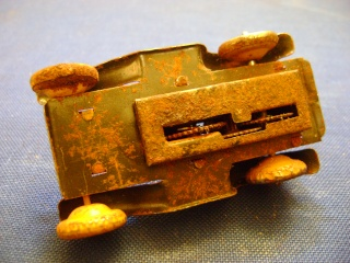 Les jouets militaires en tôle, plastique ou bois. Dsc04928