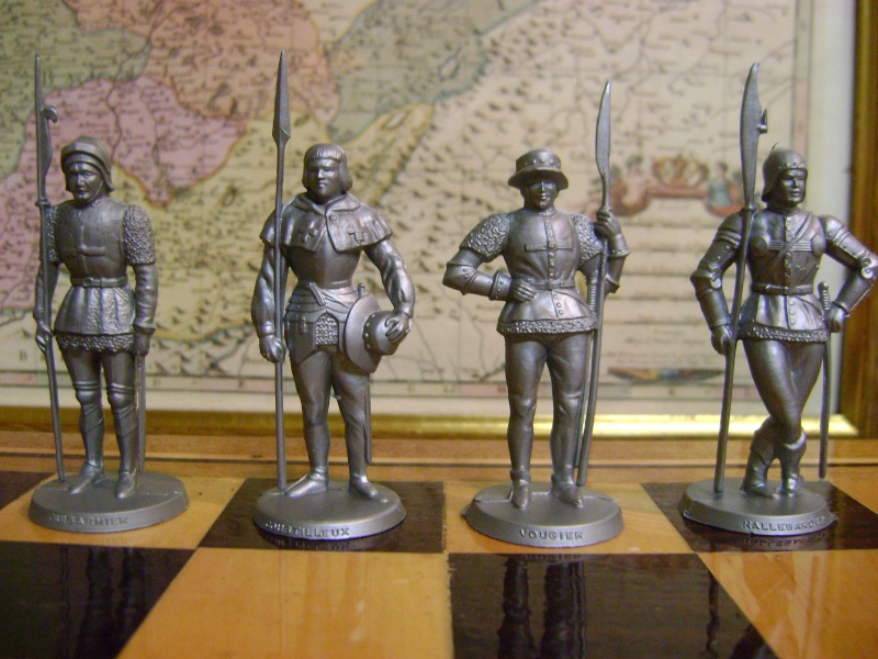 Les figurines anciennes, leurs accessoires et leurs décors. Dsc05152