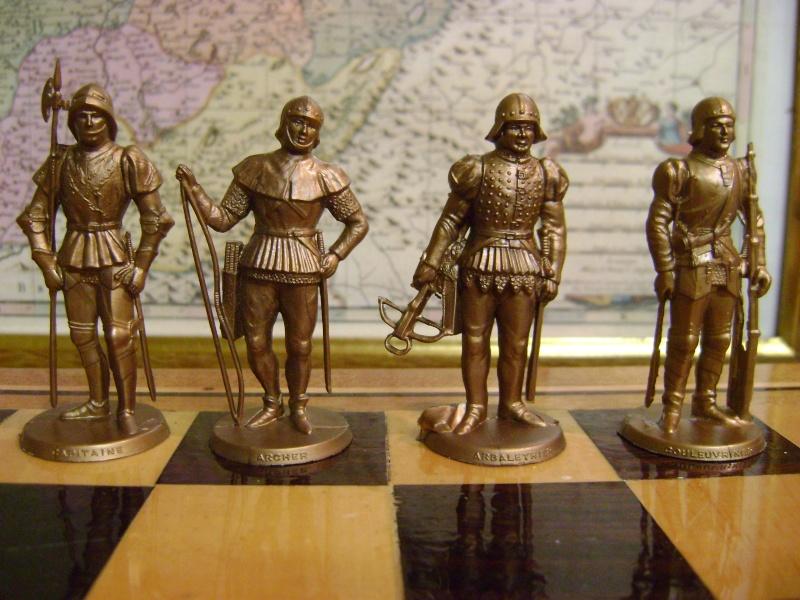Les figurines anciennes, leurs accessoires et leurs décors. Dsc05157