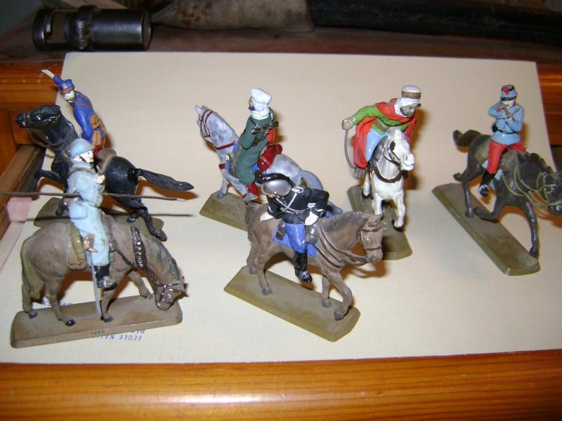 Les figurines anciennes, leurs accessoires et leurs décors. Dsc05167