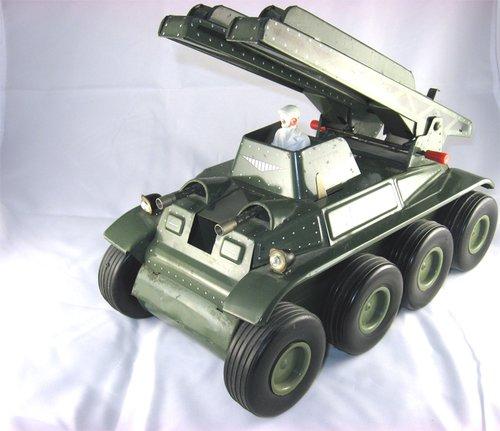 Les jouets militaires en tôle, plastique ou bois. Ib_p0011