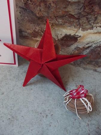 23 novembre : des étoiles ORIGAMI ... 0161010