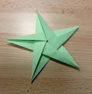 23 novembre : des étoiles ORIGAMI ... Etoile10