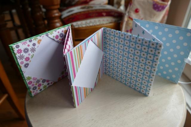 16 novembre : un mini Noël en origami ... P1080512