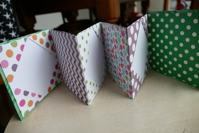16 novembre : un mini Noël en origami ... P1080513