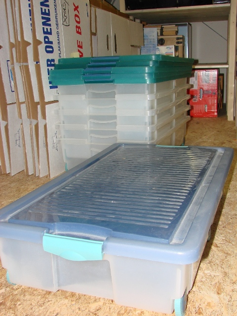 Plastic boxes for under the bed to sell Kopie_10
