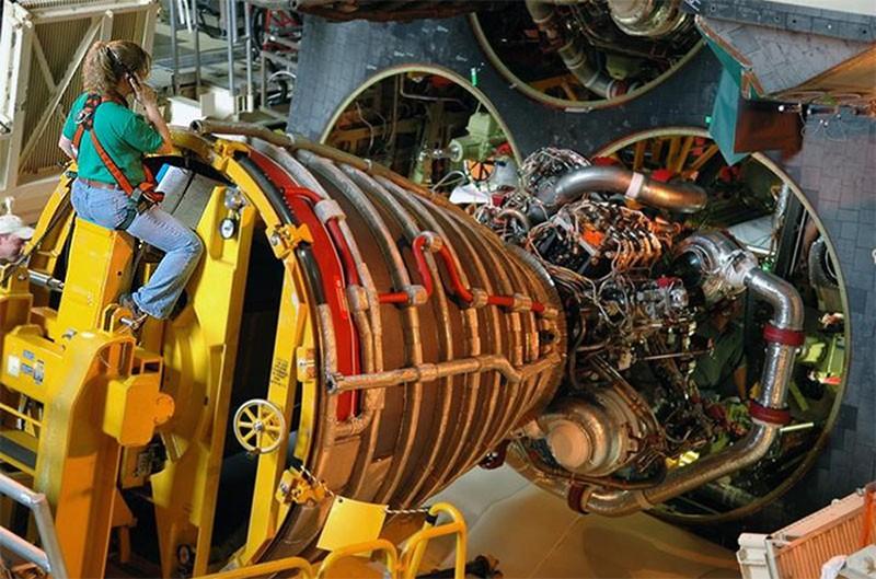 [STS-132] Atlantis : préparatifs (lancement prévu le 14/05/2010) Sh8c10