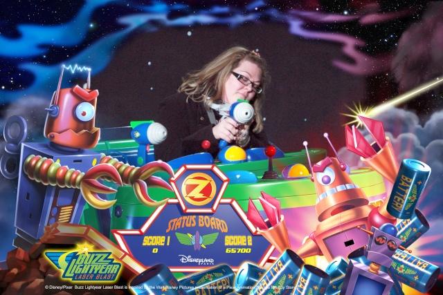 Buzz Lightyear Laser Blast - Page 32 D100010