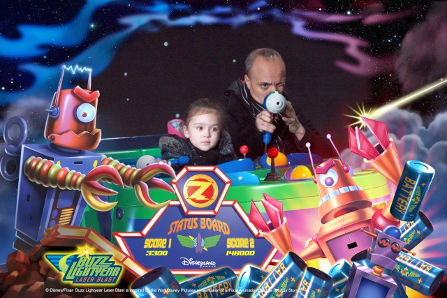 Buzz Lightyear Laser Blast - Page 32 D730610