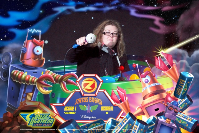 Buzz Lightyear Laser Blast - Page 32 D730710