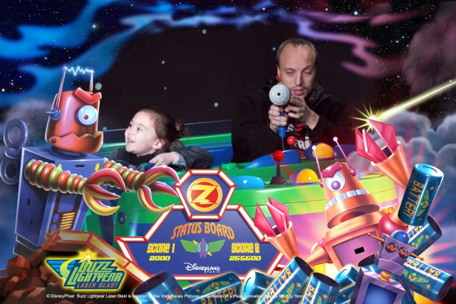 Buzz Lightyear Laser Blast - Page 32 D999910