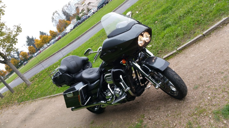 Road Glide CVO, combien sommes nous sur Passion-Harley - Page 16 Chrise10