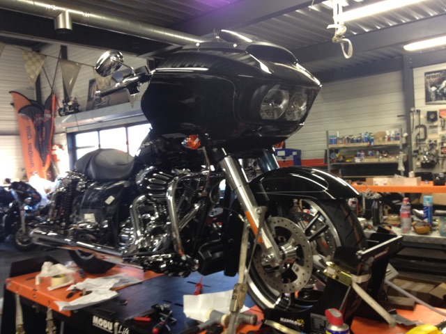 Road Glide CVO, combien sommes nous sur Passion-Harley - Page 16 Domini10