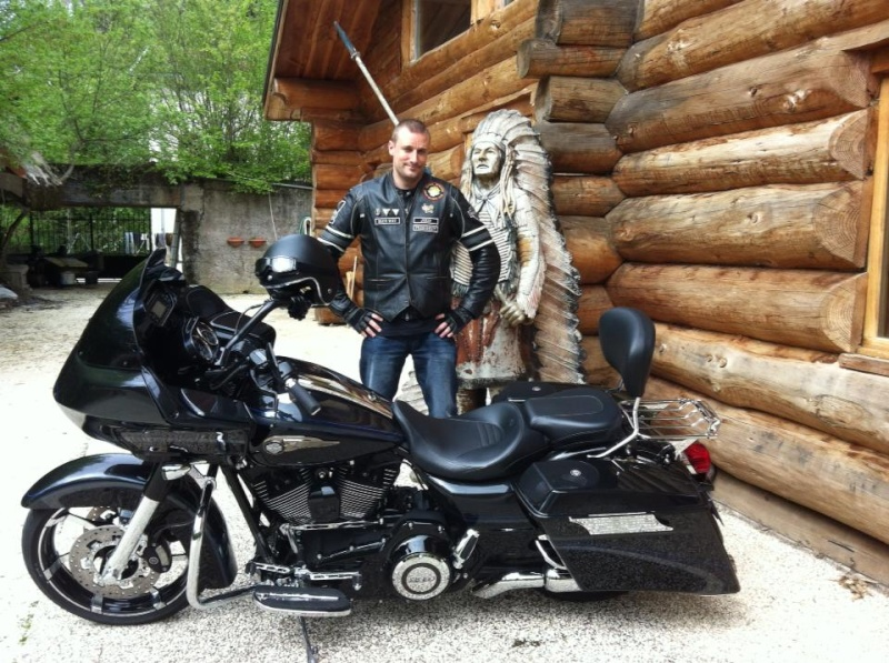 Road Glide CVO, combien sommes nous sur Passion-Harley - Page 16 Jozip10