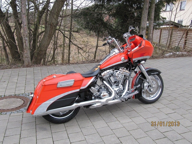 Road Glide CVO, combien sommes nous sur Passion-Harley - Page 16 Roadma10