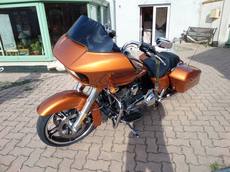 Road Glide CVO, combien sommes nous sur Passion-Harley - Page 16 Roboti10