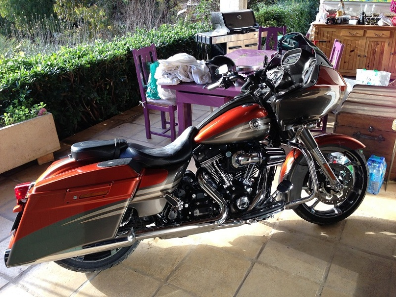Road Glide CVO, combien sommes nous sur Passion-Harley - Page 16 The_ki10