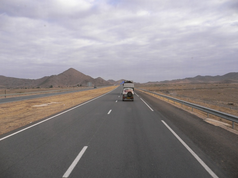 Des Mog. au Maroc. 02411