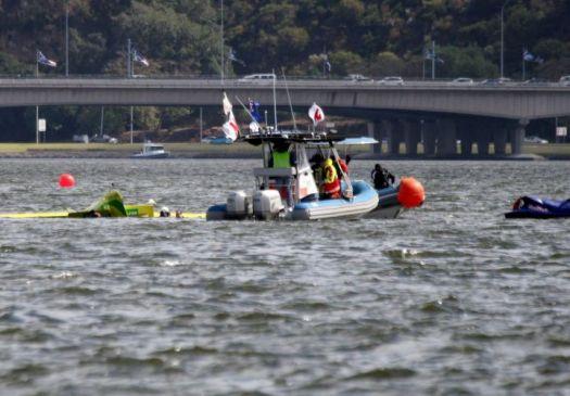 Piloto brasileiro da 'F-1 Aérea' se acidenta em treino; avião caiu na água F1-aer10