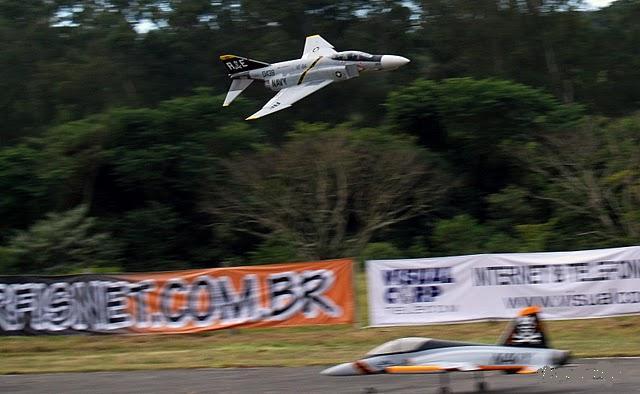 11 GIANT DE ITU Jets10