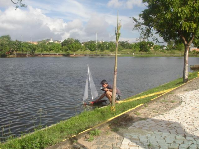 Grupo de Nautimodelismo de Fortaleza no lago do Condomínio Lago_011