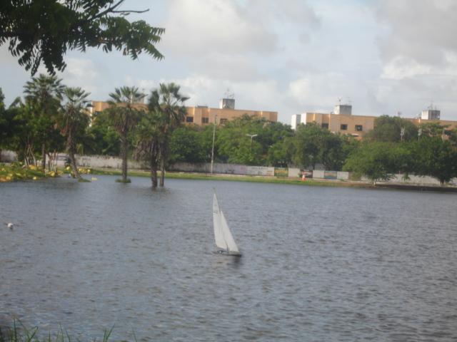 Grupo de Nautimodelismo de Fortaleza no lago do Condomínio Lago_017