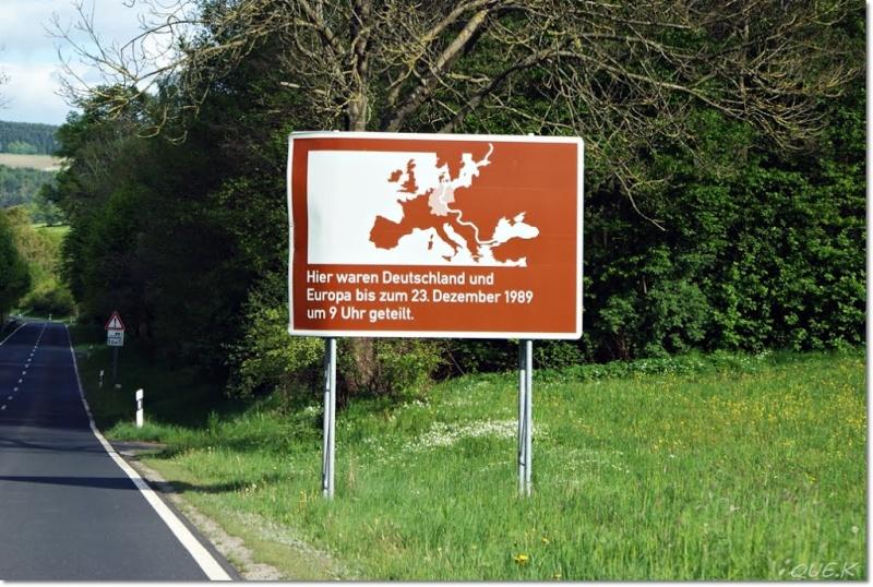 """Panneaux """"mémorial de la chute du rideau de fer entre les deux Allemagne (1393 km) """" 10649610"""