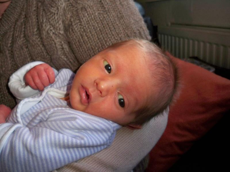 Mon accouchement.... et quelques photos de raphaël - Page 3 100_1510