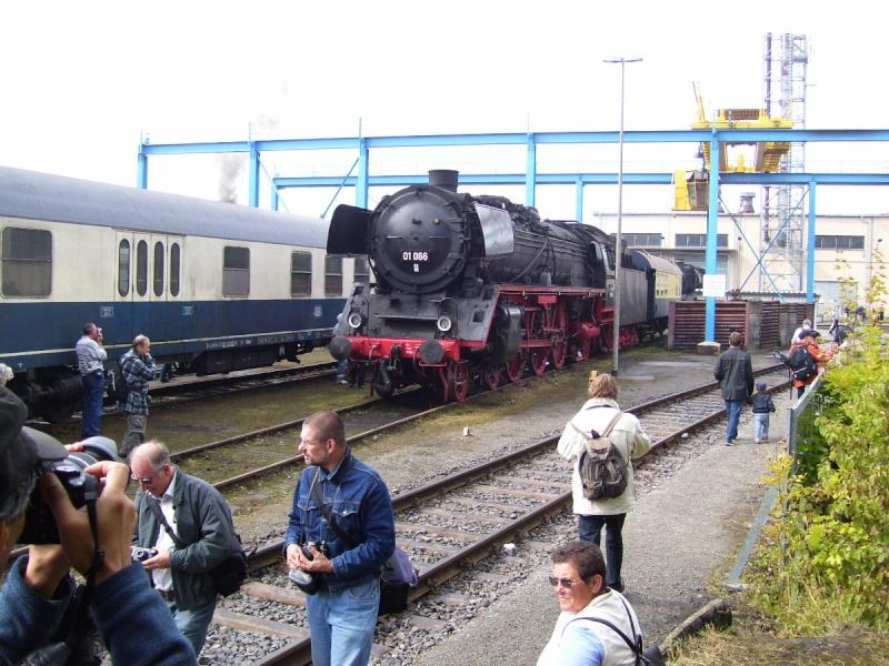 Zwei Pazifics der deutschen Bahnen: BR 01 und 03 0106610