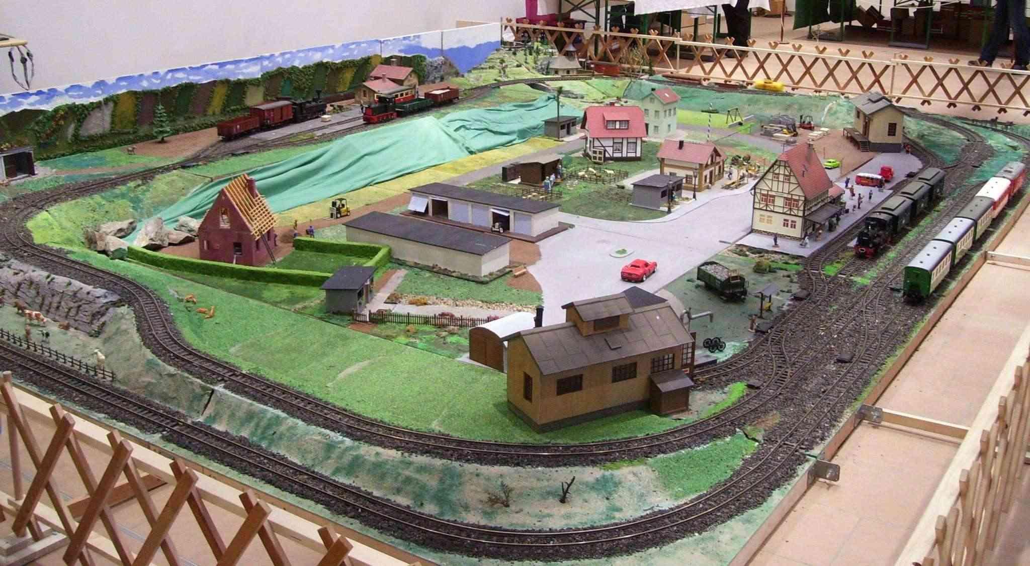 MEC Kreischa in den neuen Ausstellungsräumen 100_6911