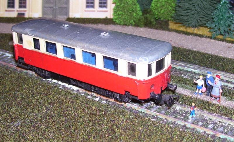 Triebwagen VT 70 von PIKO (DDR) 100_8772