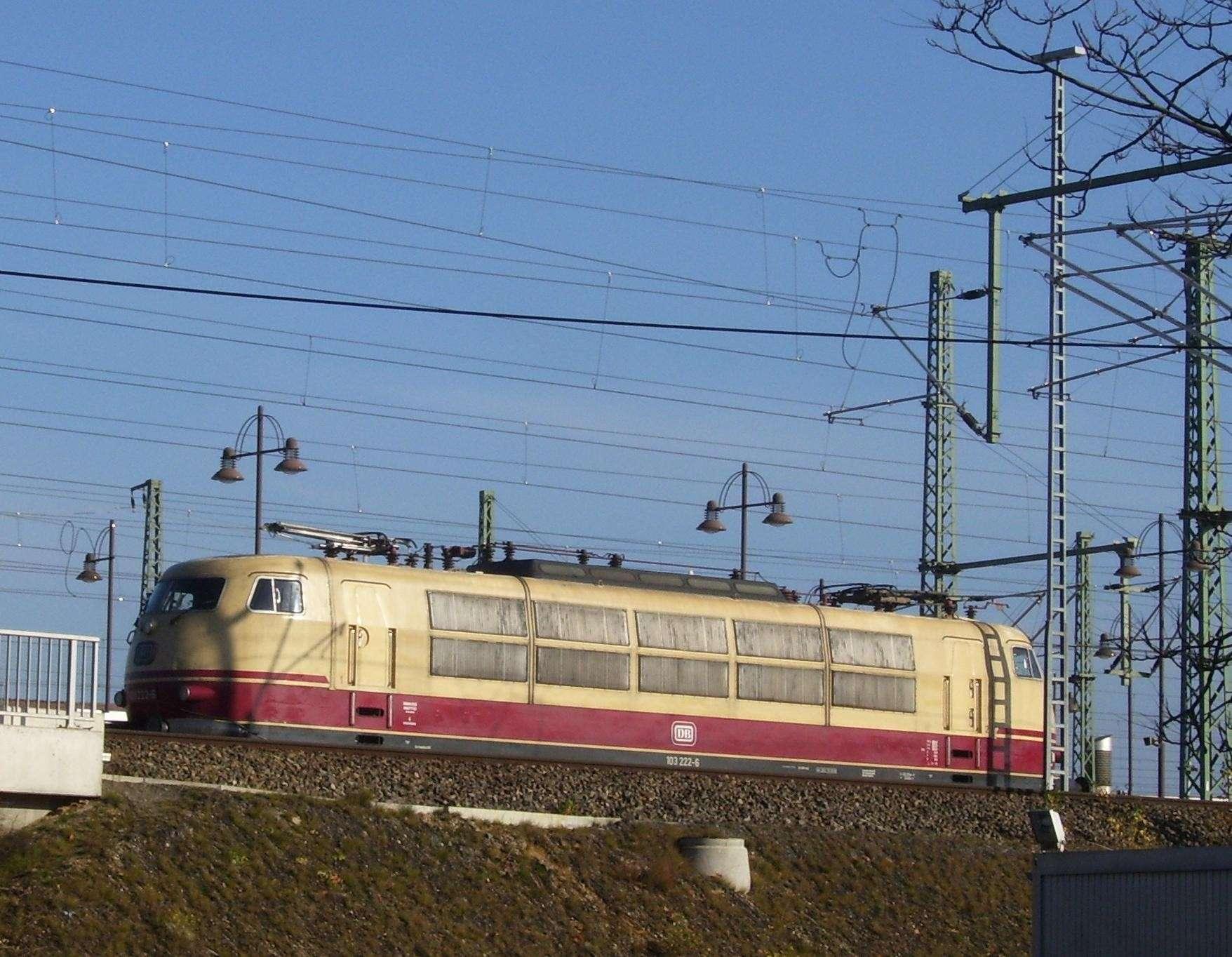 Meine Bilder von der modernen Bahn 103-2-10