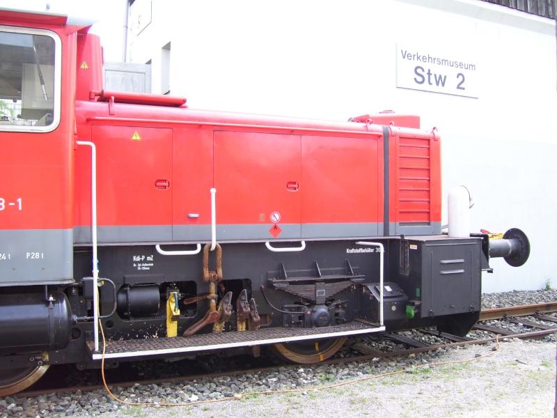 Fahrzeuge auf dem Außengelände im DB-Museum 333-0710