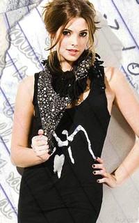 Ashley Greene Note10