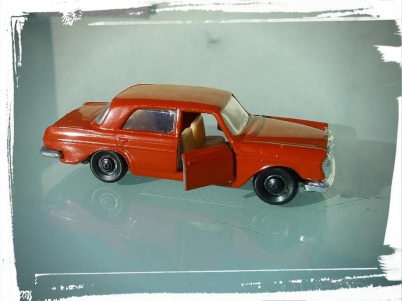 les ptites autos de romeo :) Img_2031