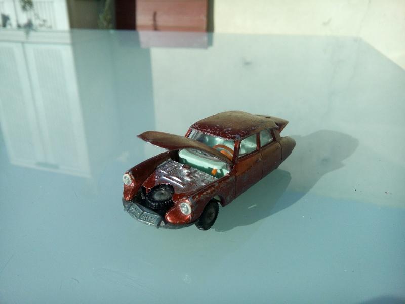 les ptites autos de romeo :) Img_2042