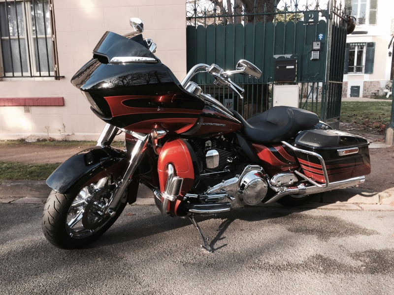 Road Glide CVO, combien sommes nous sur Passion-Harley - Page 17 Image13