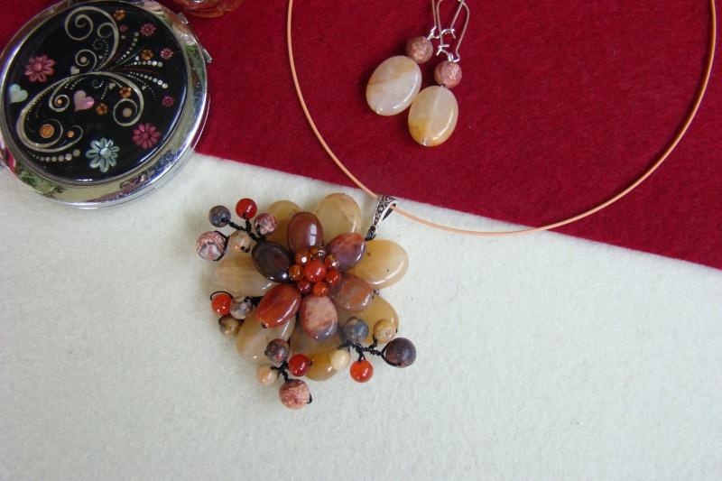 """""""Flori de piatră-Bijoux"""" albumul I-bijuterii artizanale marca Didina Sava - Pagina 7 Colier82"""