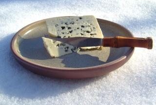 Сыр с плесенью -еда для гурманов  S7004510