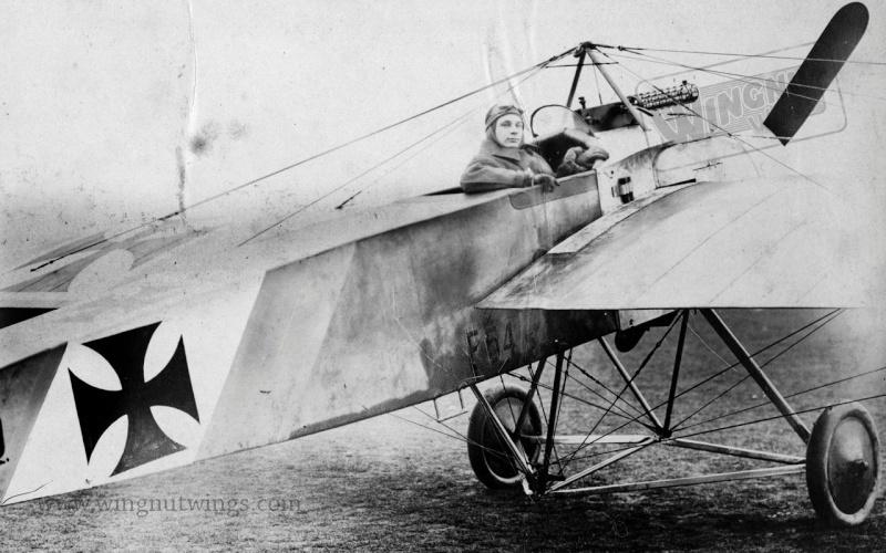 Fokker E.III Eindecker 105/15 - Ernst Udet - Fl. Abt. 68 / KEK Habsheim - Printemps 1916 A00210