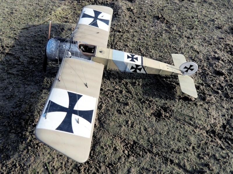 Fokker E.III Eindecker 105/15 - Ernst Udet - Fl. Abt. 68 / KEK Habsheim - Printemps 1916 B00510