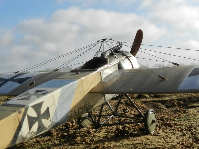 Fokker E.III Eindecker 105/15 - Ernst Udet - Fl. Abt. 68 / KEK Habsheim - Printemps 1916 C00110